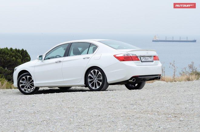 Хонда Аккорд 2013 азиатская модификация тип с боковой стороны