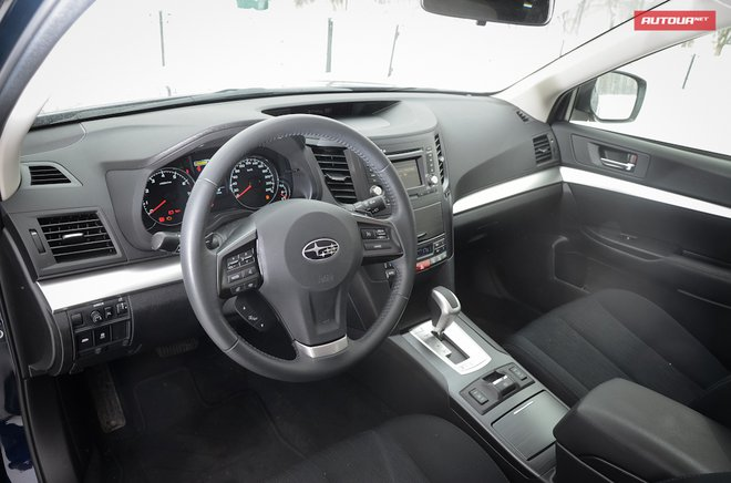 Subaru Outback 2013 интерьер