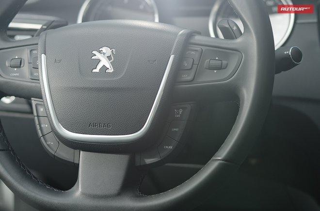 Тест-драйв Peugeot 508 (Пежо 508) интерьер руль