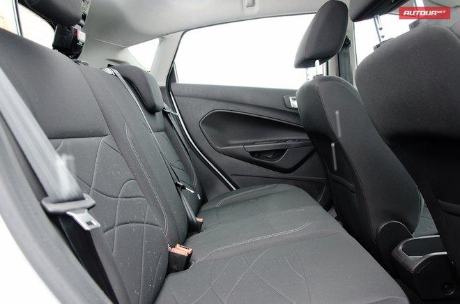 Ford Fiesta 2013 в Украине интерьер задний ряд
