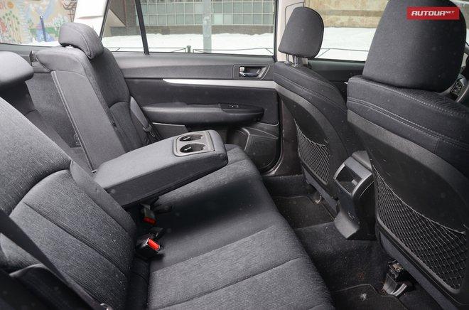 Subaru Outback 2013 интерьер место сзади