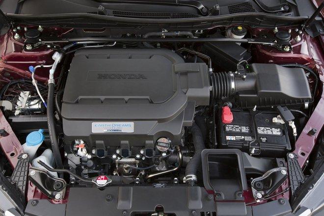 Хонда Аккорд 2013 азиатская модификация мотор