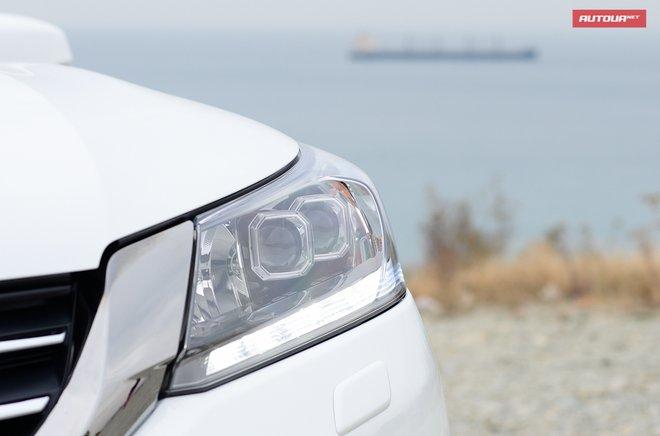 Хонда Аккорд 2013 азиатская модификация передние фары
